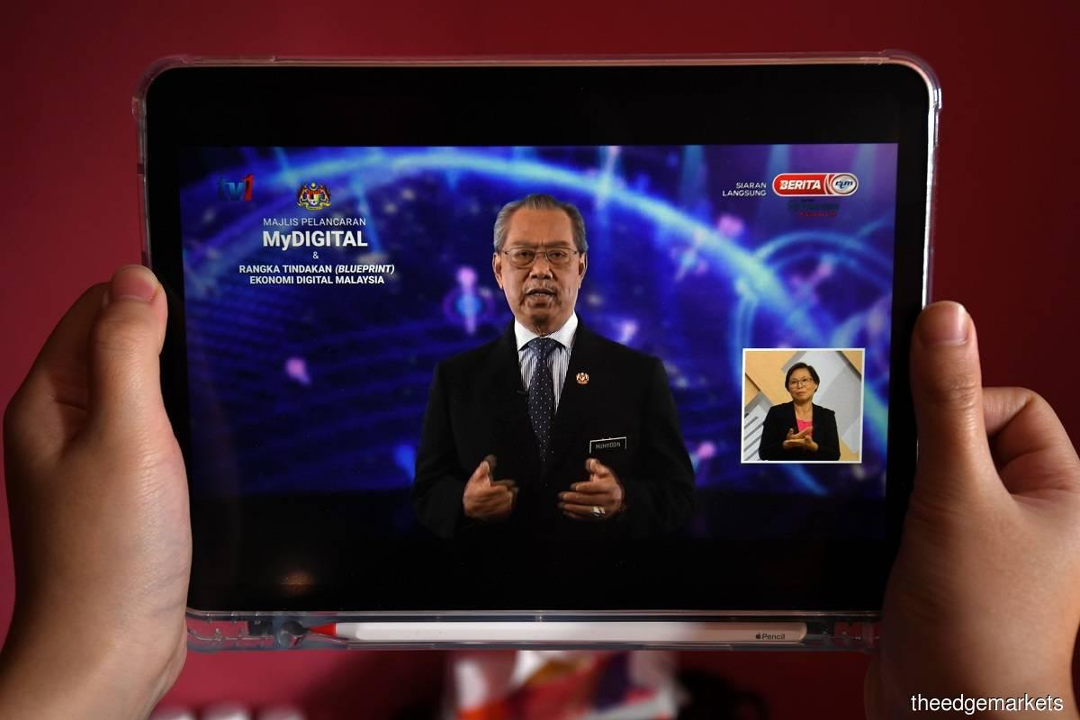首相说国人将在年底分阶段享有5G科技。(摄影:Shahrin Yahya)